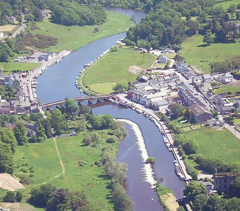 A view of graiguenamanagh with the river barrow from the air.